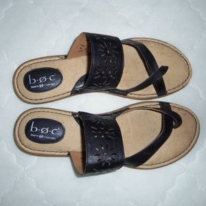 Born B.O.C. black thong sandals 10M